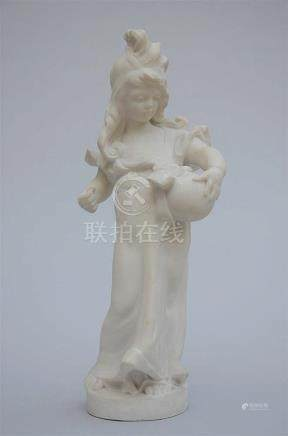 Nelson: sculpture in white marble 'girl with a ball' (62cm)