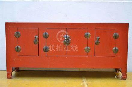 Chinese lacquer cabinet (47x158x75cm)