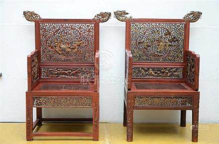 Two Chinese armchairs with openwork decoration (54x90x120cm)