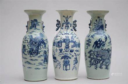 Lot: three celadon vases in Chinese porcelain (*) (60cm)