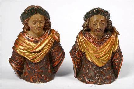 """Paire de """"Donateurs"""" (?) en bois sculpté et polychromé. Trav"""