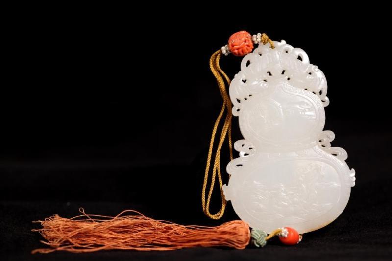 清中期 白玉雕葫芦珮