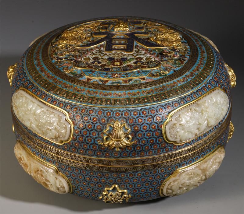铜胎掐丝珐琅春寿盒