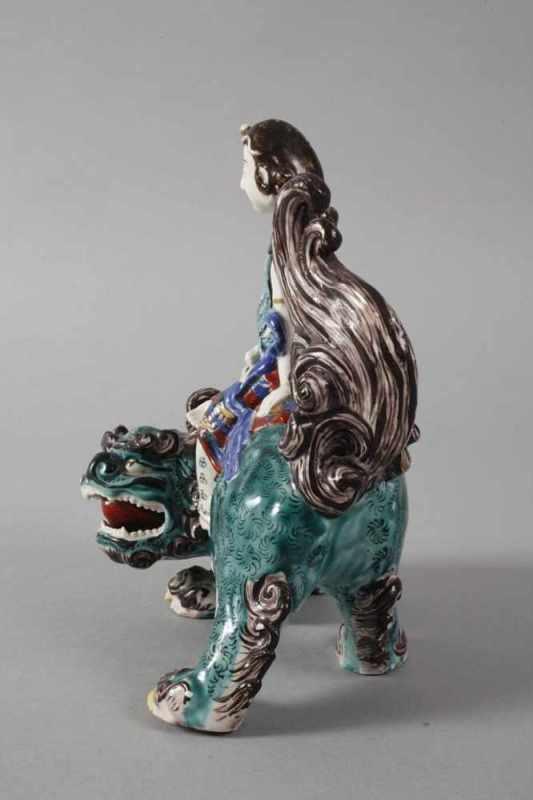 Porzellanfigur reitende Guanyin