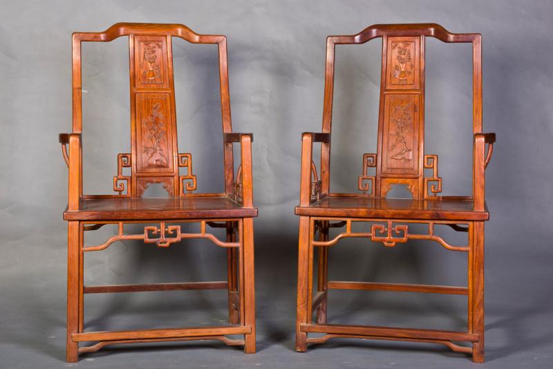 一对黄花梨椅子