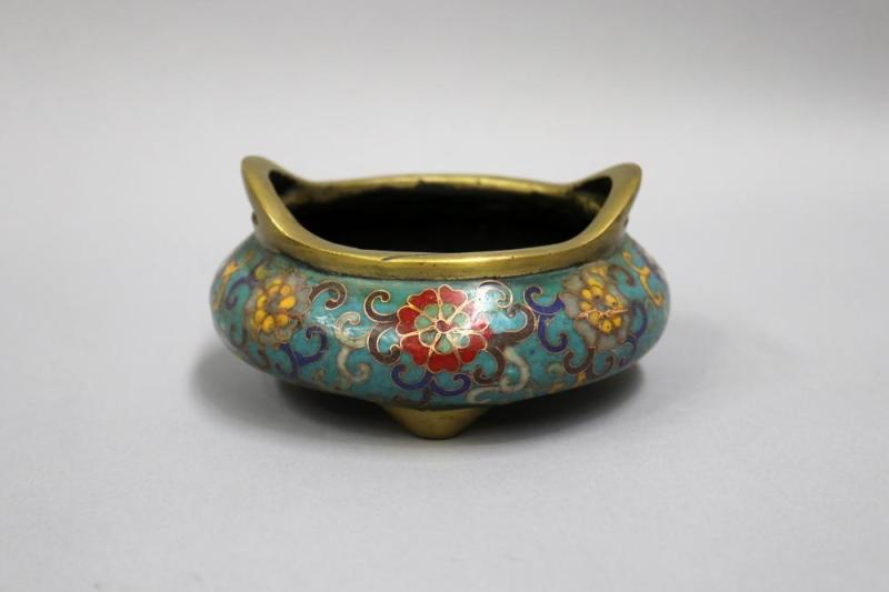 Chinese cloisonne incense burner, approx 6.5cm H x 12.5cm di