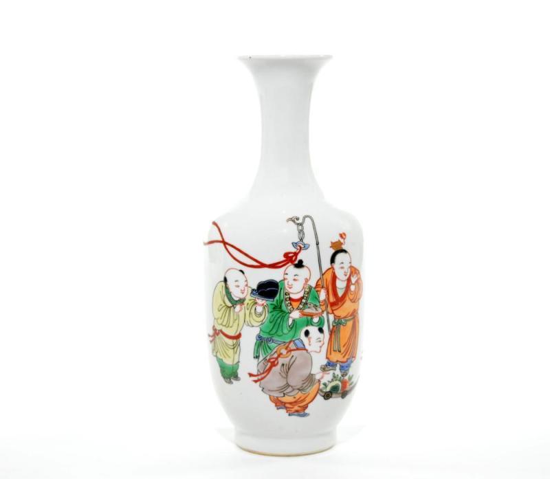 彩绘人物瓶