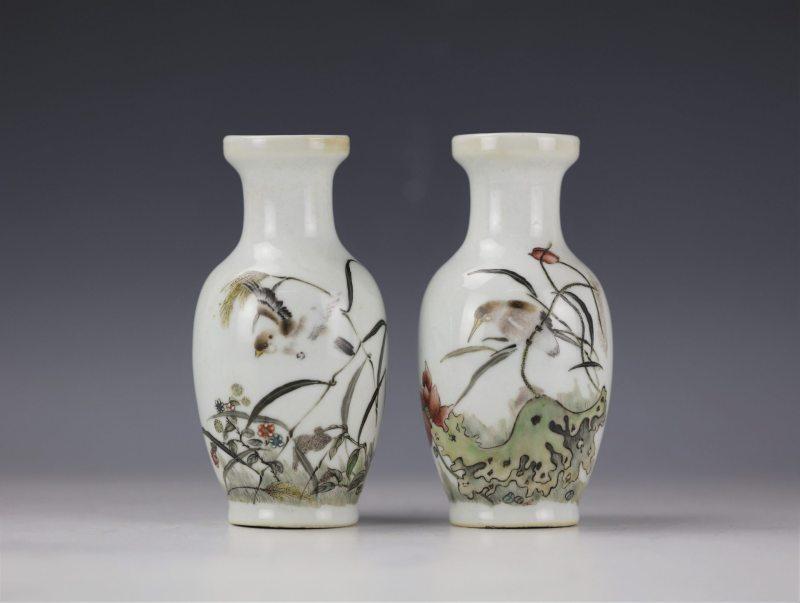 浅绛彩花瓶
