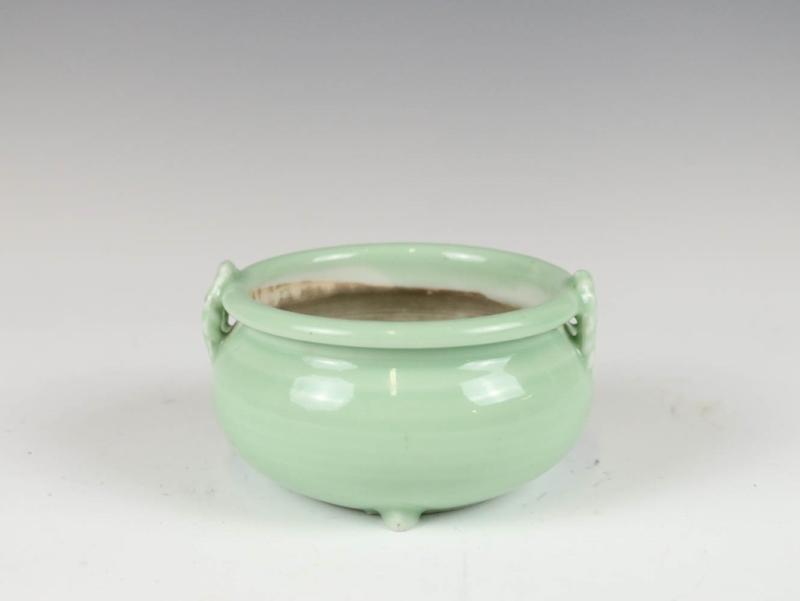 绿釉绳纹耳香炉