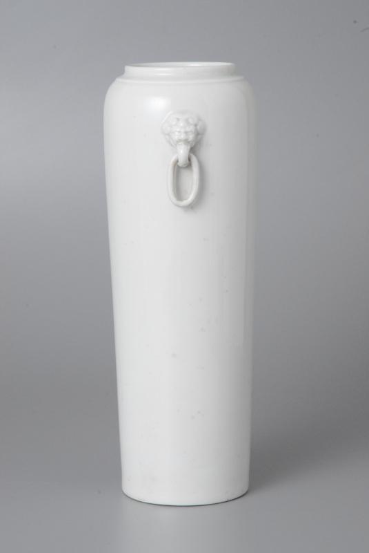德化白釉鋪首耳筒瓶